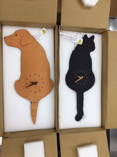 壁時計犬と猫