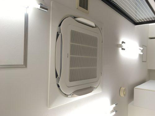 院内待合室のエアコン交換工事について